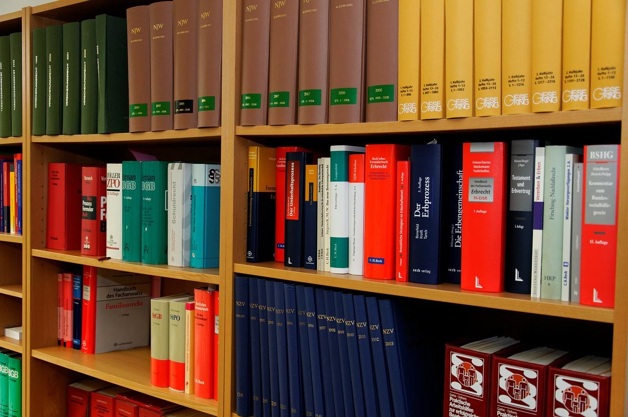 Kancelaria radcy prawnego - kiedy się zgłosić?